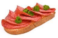 Brot mit salami.png