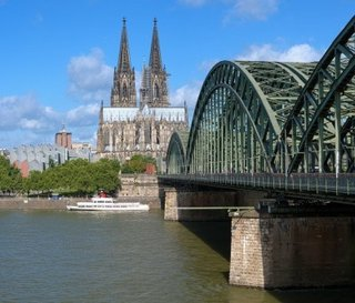 view-on-cologne-cathedral-the-rhine-river-germany[1].jpg