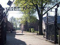 200px-Entrance_Auschwitz_I.jpg